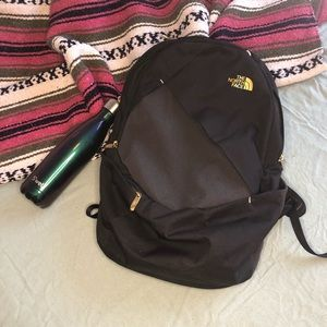 The North Face Isabella Backpack BLACK/GOLD